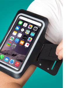 Thiết kế mặt nhựa trong suốt giúp cho bạn có thể theo dõi và sử dụng điện thoại một cách tiện lợi nhất