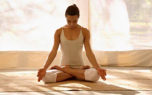 Ngồi thiền giúp giảm căng thẳng