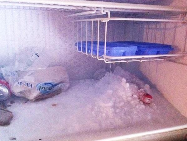 Hiện tượng tủ lạnh bị đóng tuyết.