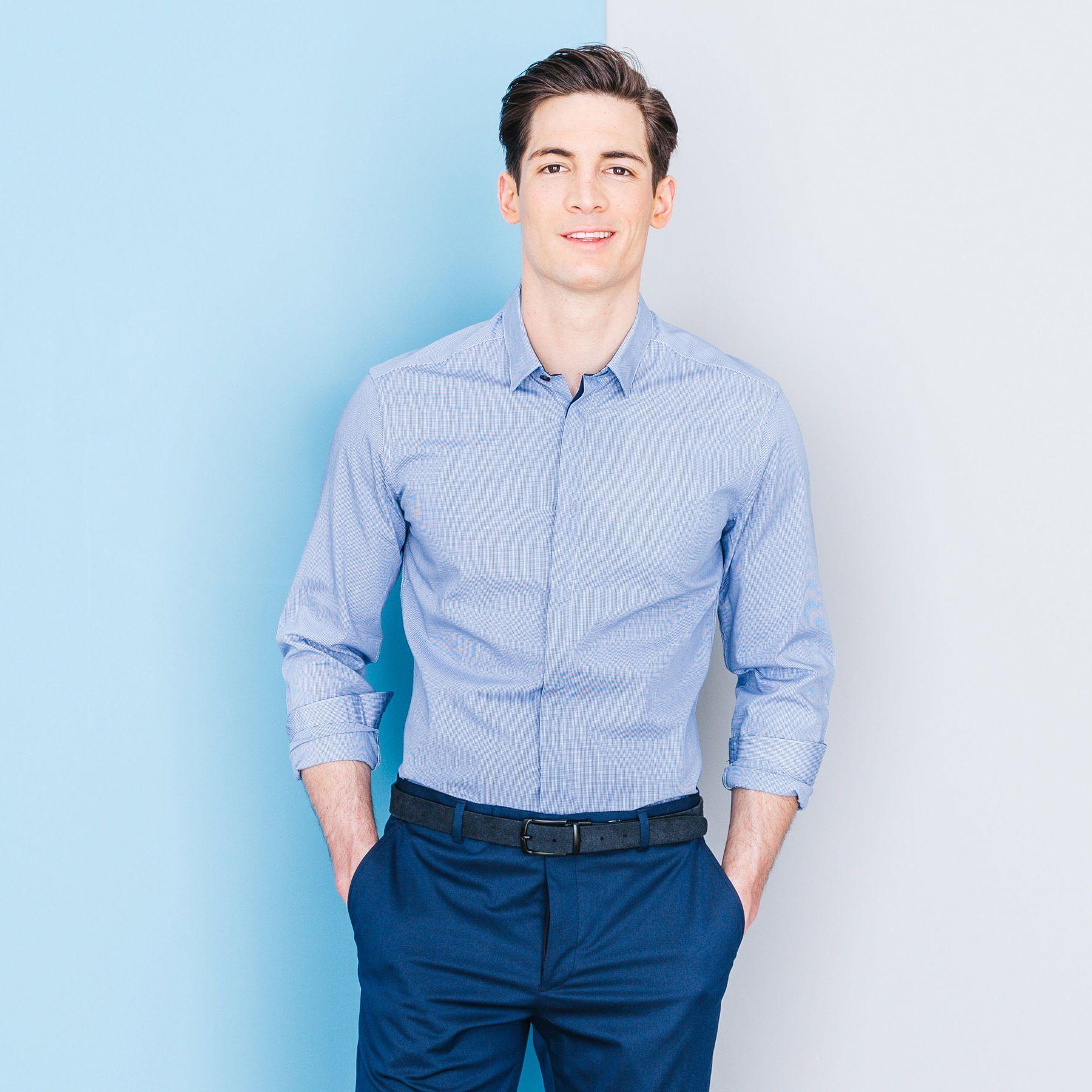 Vóc dáng cao to giúp bạn nam có thể dễ dàng lựa chọn được cho mình một chiếc ao sơ mi phù hợp