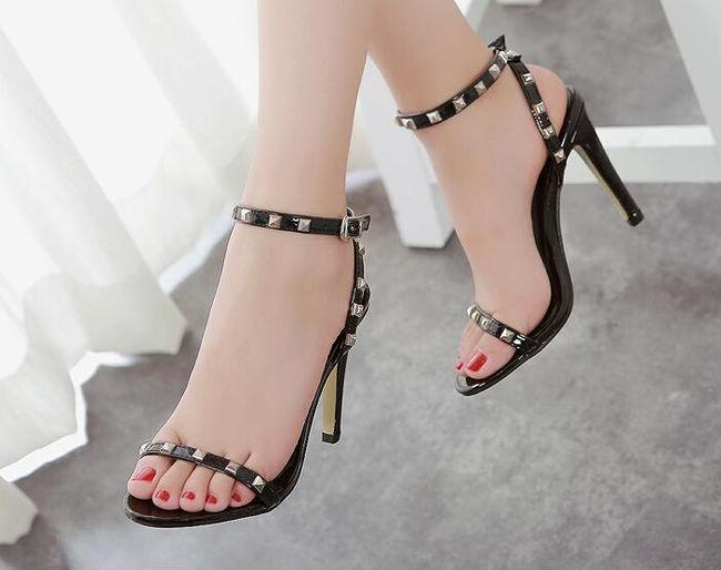 Giày cao gót giúp bạn gái có vóc dáng hoàn hảo hơn