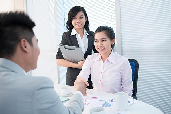 Những vấn đề xoay quanh việc có nên làm nhân viên tư vấn bảo hiểm