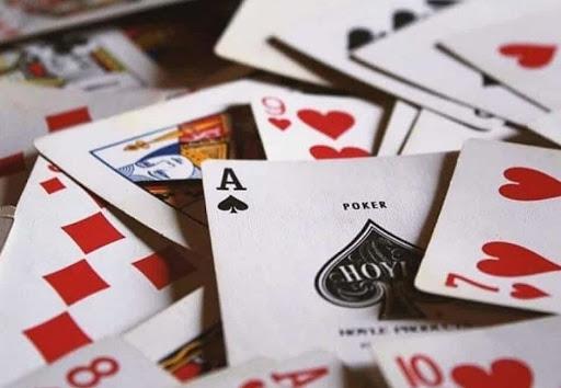 Gian lận trong bài cào để tăng khả năng chiến thắng